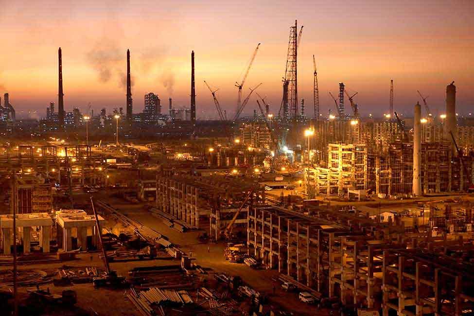 Conoce la refinería hindú que servirá de referencia para AMLO