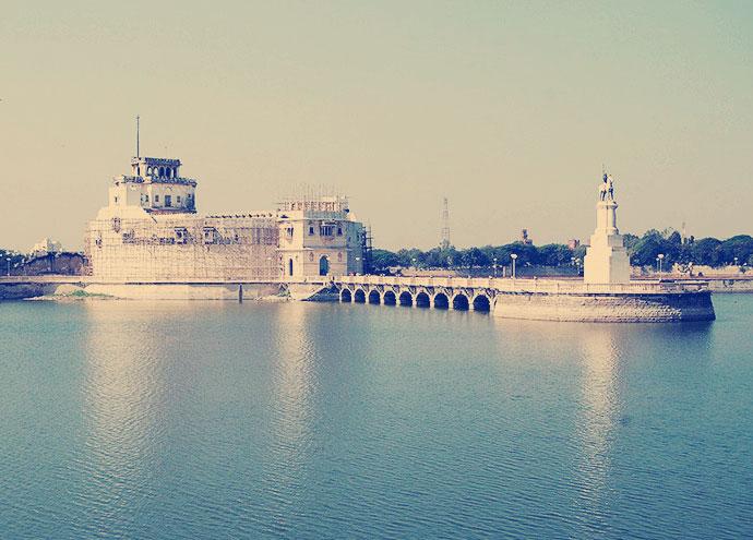 The World Looks upon Jamnagar Now
