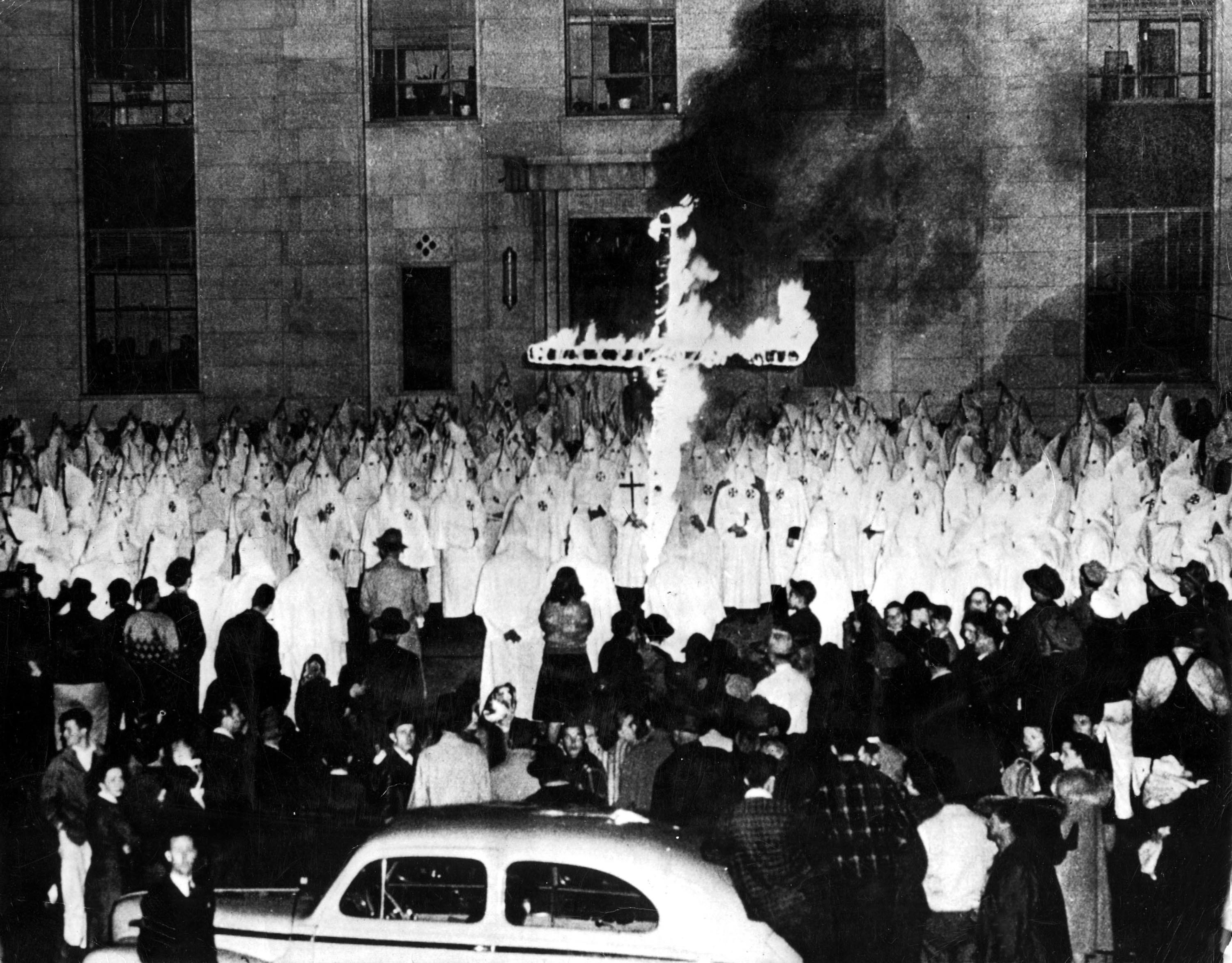 How the Ku Klux Klan Helped Republicans Win Voters in the US South