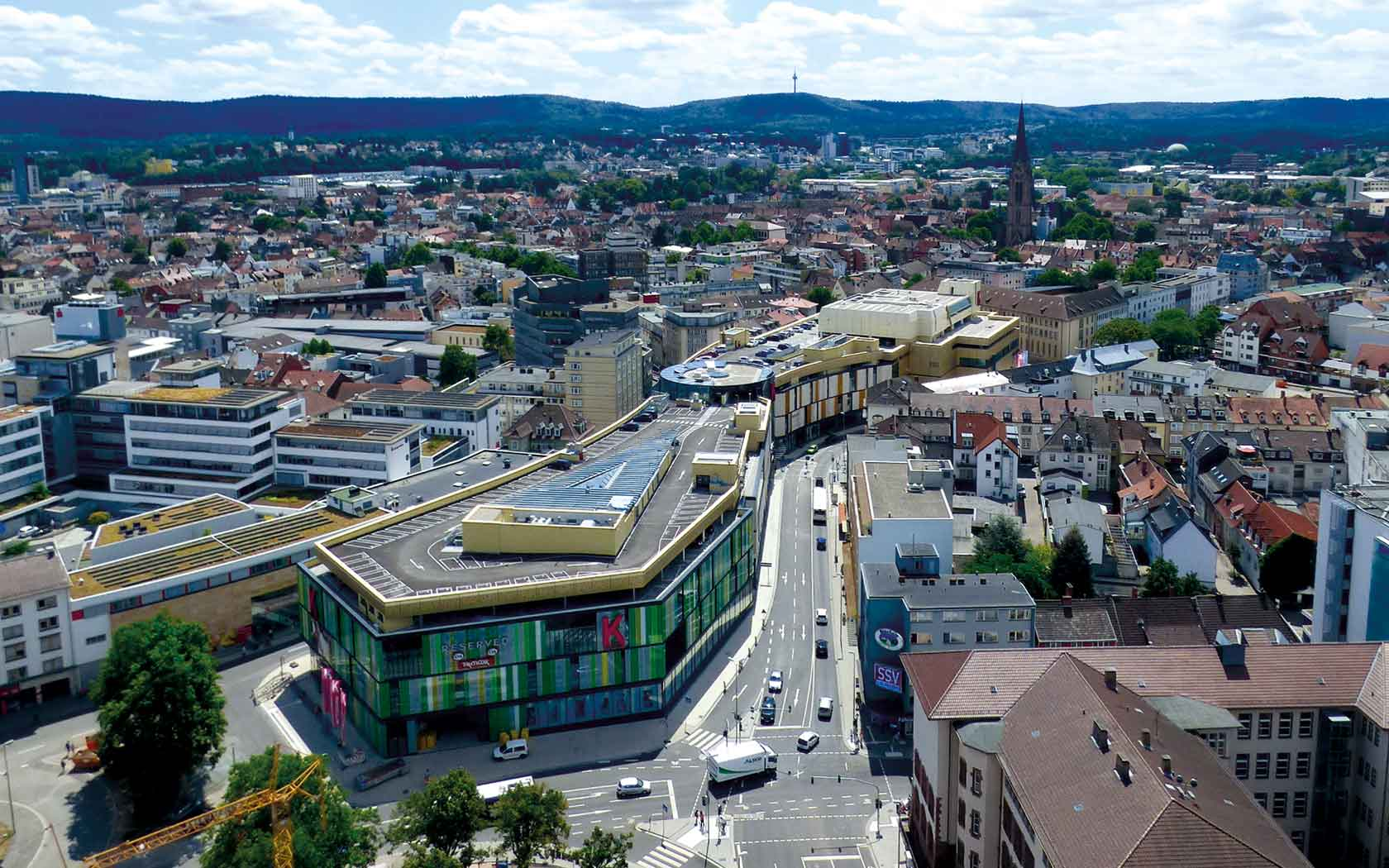 Over the last few years, Kaiserslautern has been extremely successfully  transformed from a former military and industrial location into a high-tech  location