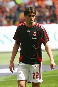 Kaká durante el calentamiento antes del juego por el campeonato  Milán-Fiorentina del 6 de mayo del 2007.