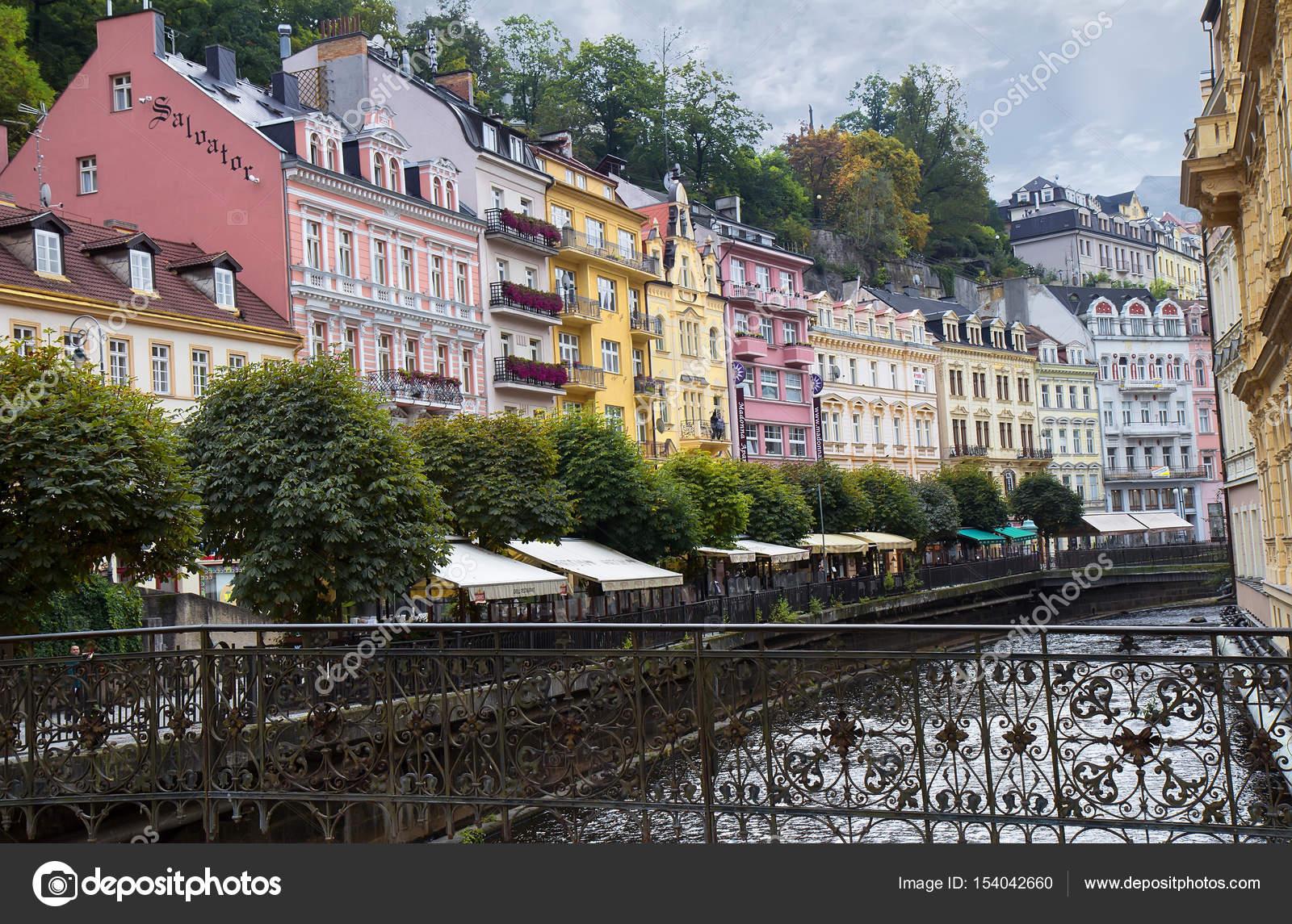 Calle en Karlovy Vary (Karlsbad), República Checa — Fotos