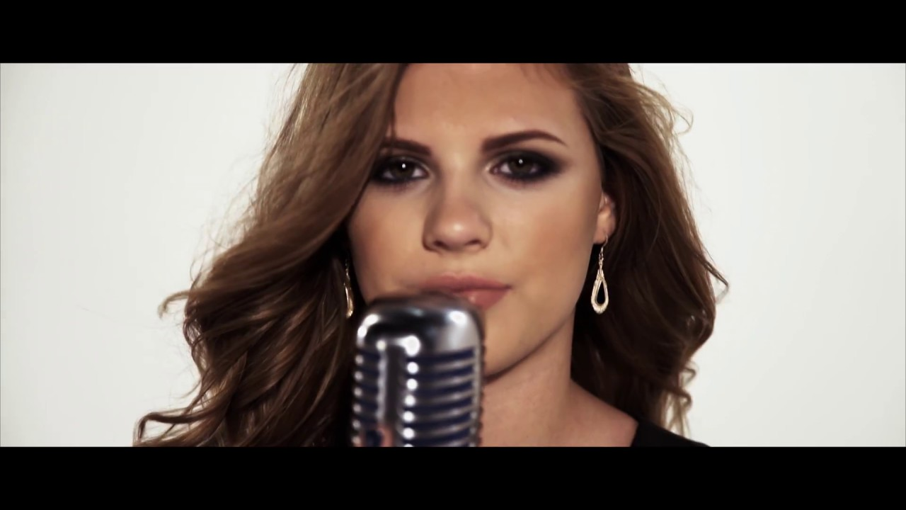 Keelie Walker - Hit Me Up (Official Video)
