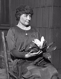 Helen Keller, c. 1920.