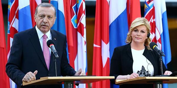 Erdoğan defends laicism after secularism row