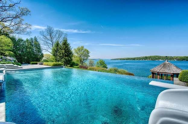 1002 S Knoll Ln, Lake Geneva, WI 53147