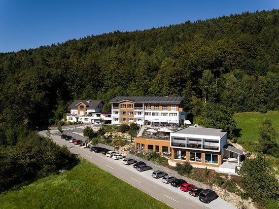 Lalling, Germany: Außenansicht Thula Wellnesshotel Bayerischer Wald